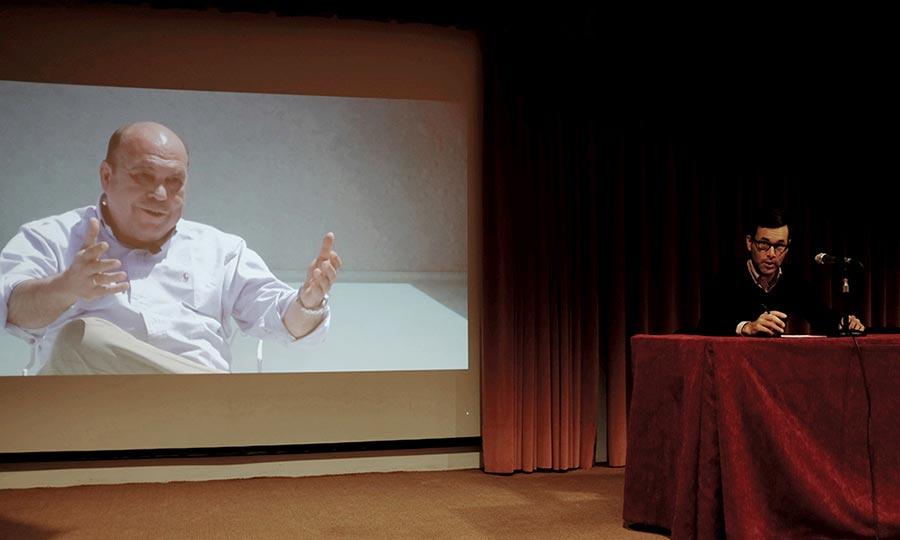 Nesurini, during the book presentation at SICAB, behind him, Javier Conde Cerrato's silhouette.