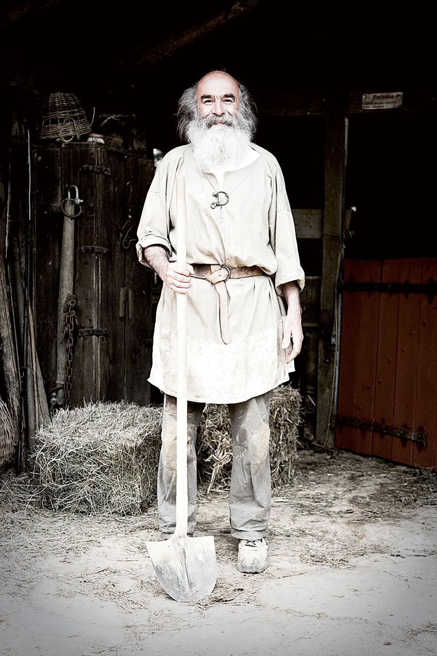 Philippe Delage (59) stonemason at Guedelon