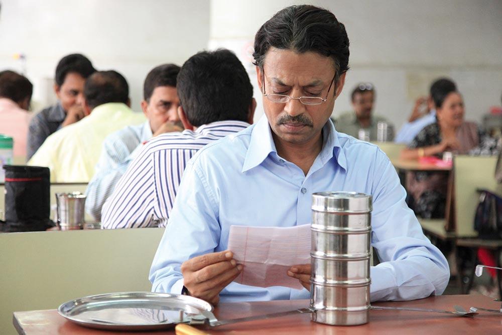 Saajan reads Ila's note