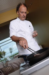 Moreno Cedroni searing tuna for the tataki
